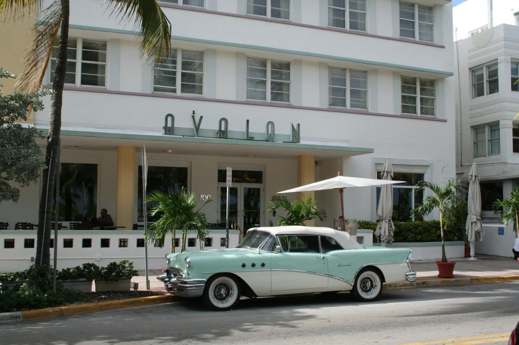 Miami hotel with car parking