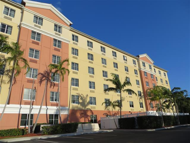 fort lauderdale hotels with free shuttle